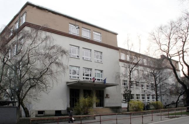 Stredná zdravotnícka škola, Záhradnícka 44, Bratislava