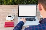 Učitelia si budú zlepšovať online zručnosti v programe Digitálna garáž